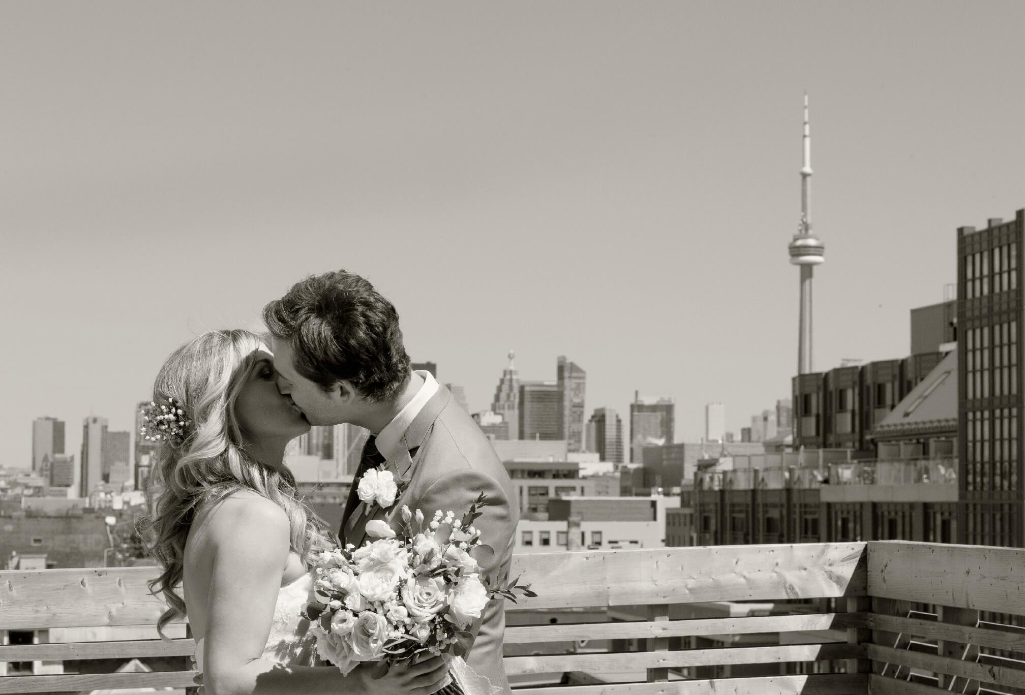 bride and bridesmaids gladstone hotel