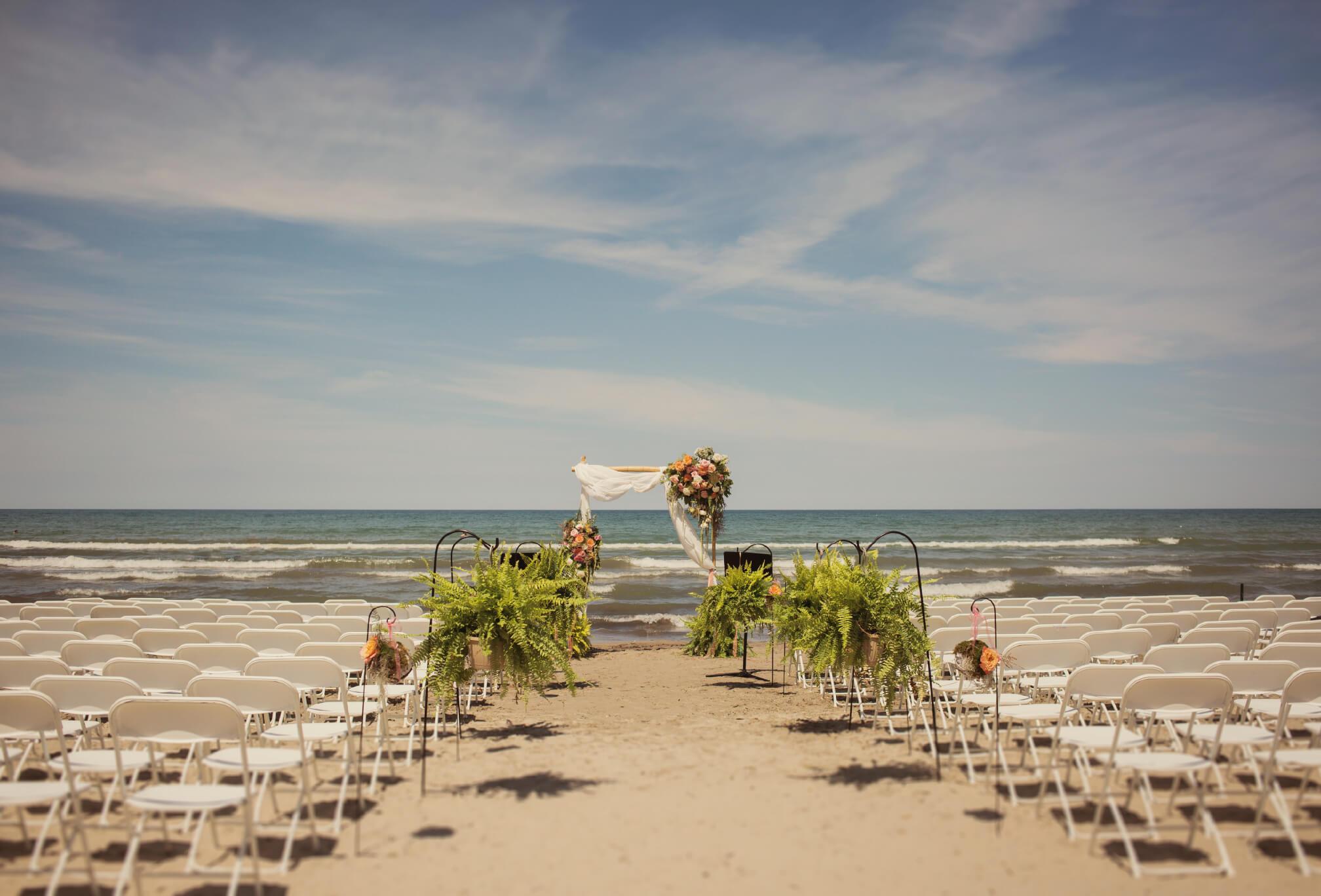 gorgeous beachfront ceremony details