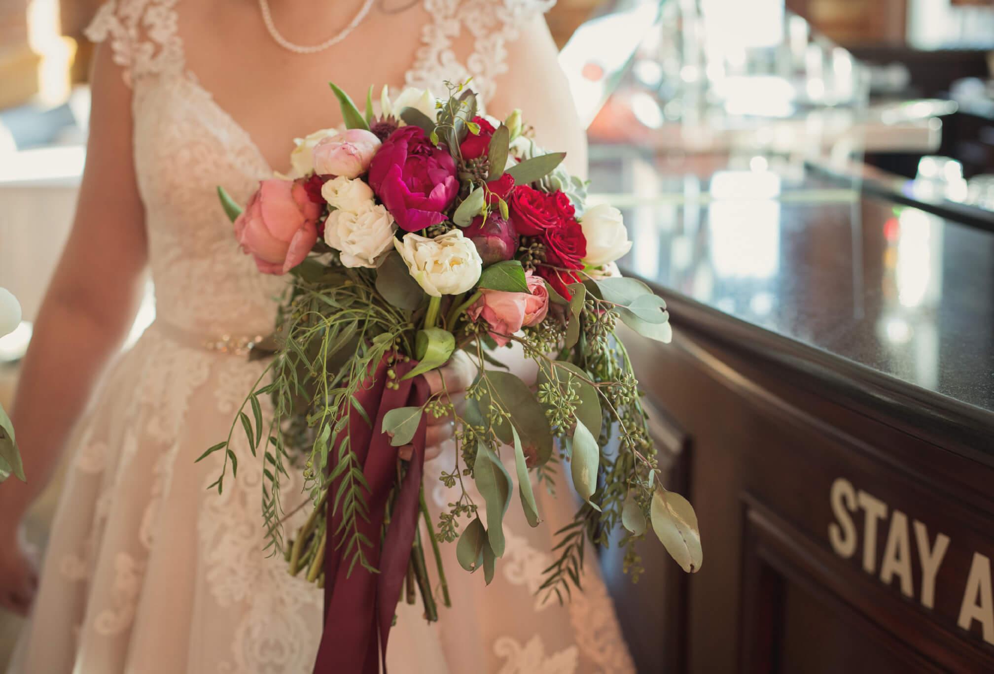 winter bridal bouquet toronto