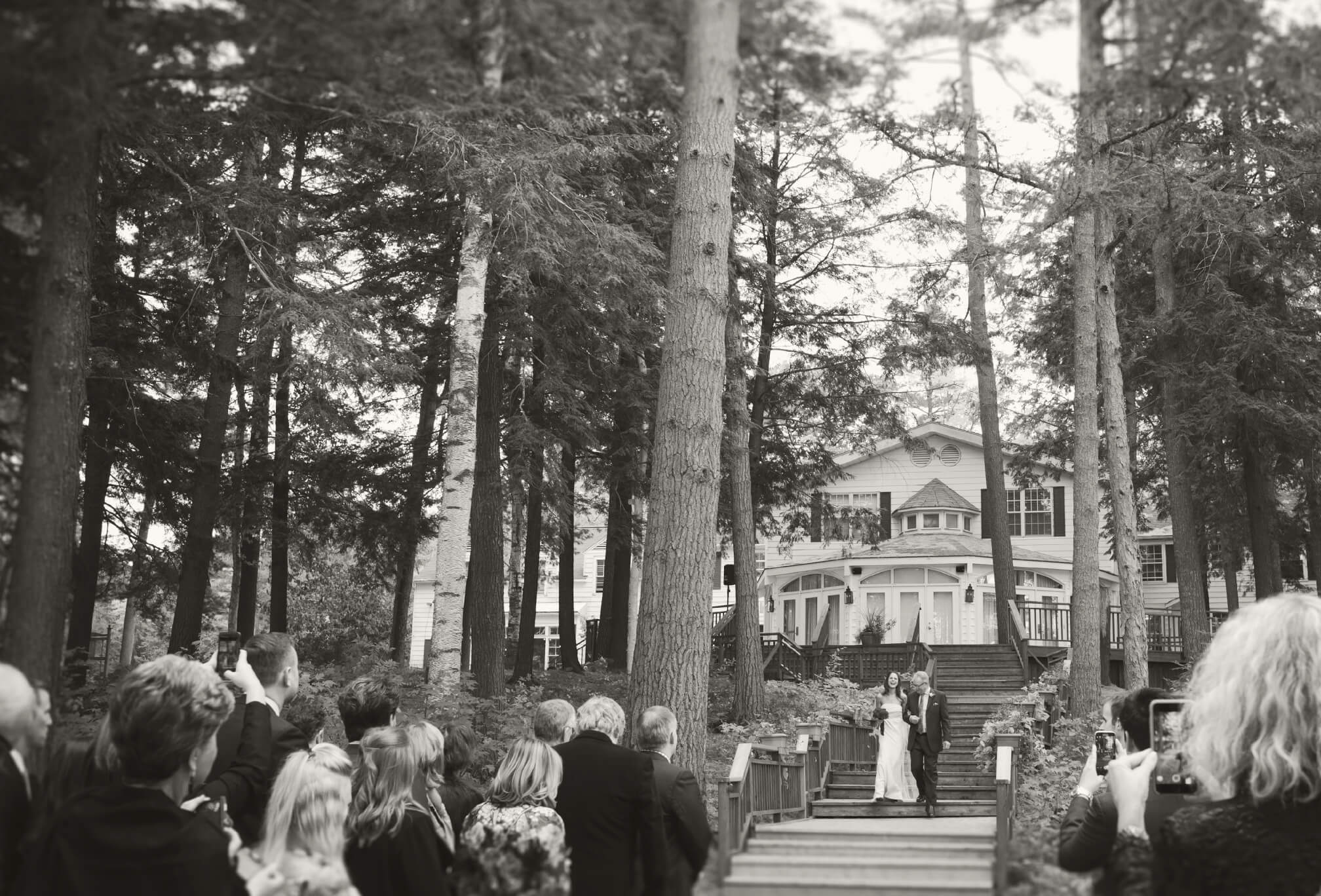 ceremony outdoors sherwood inn muskoka