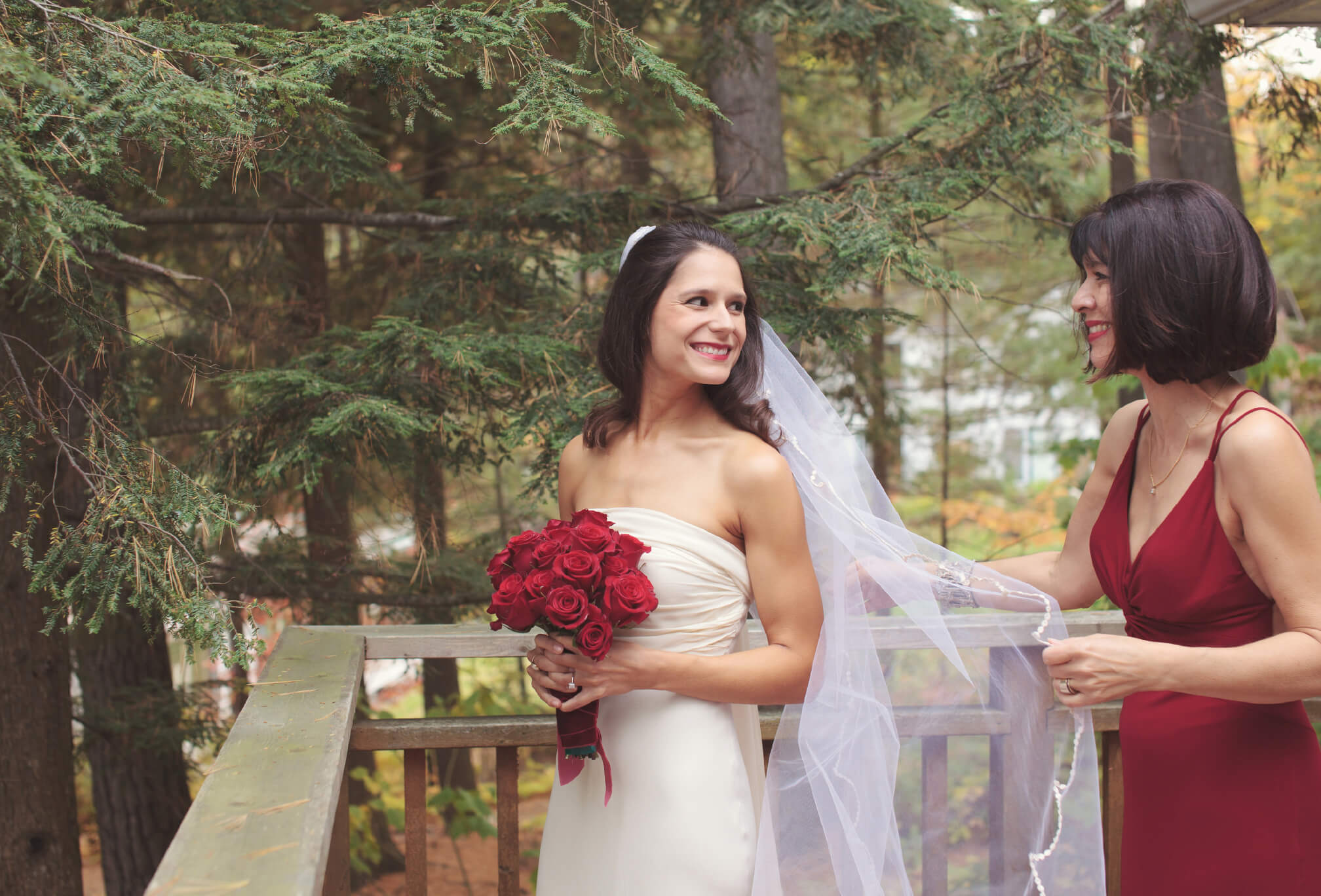 bride in fall at sherwood inn