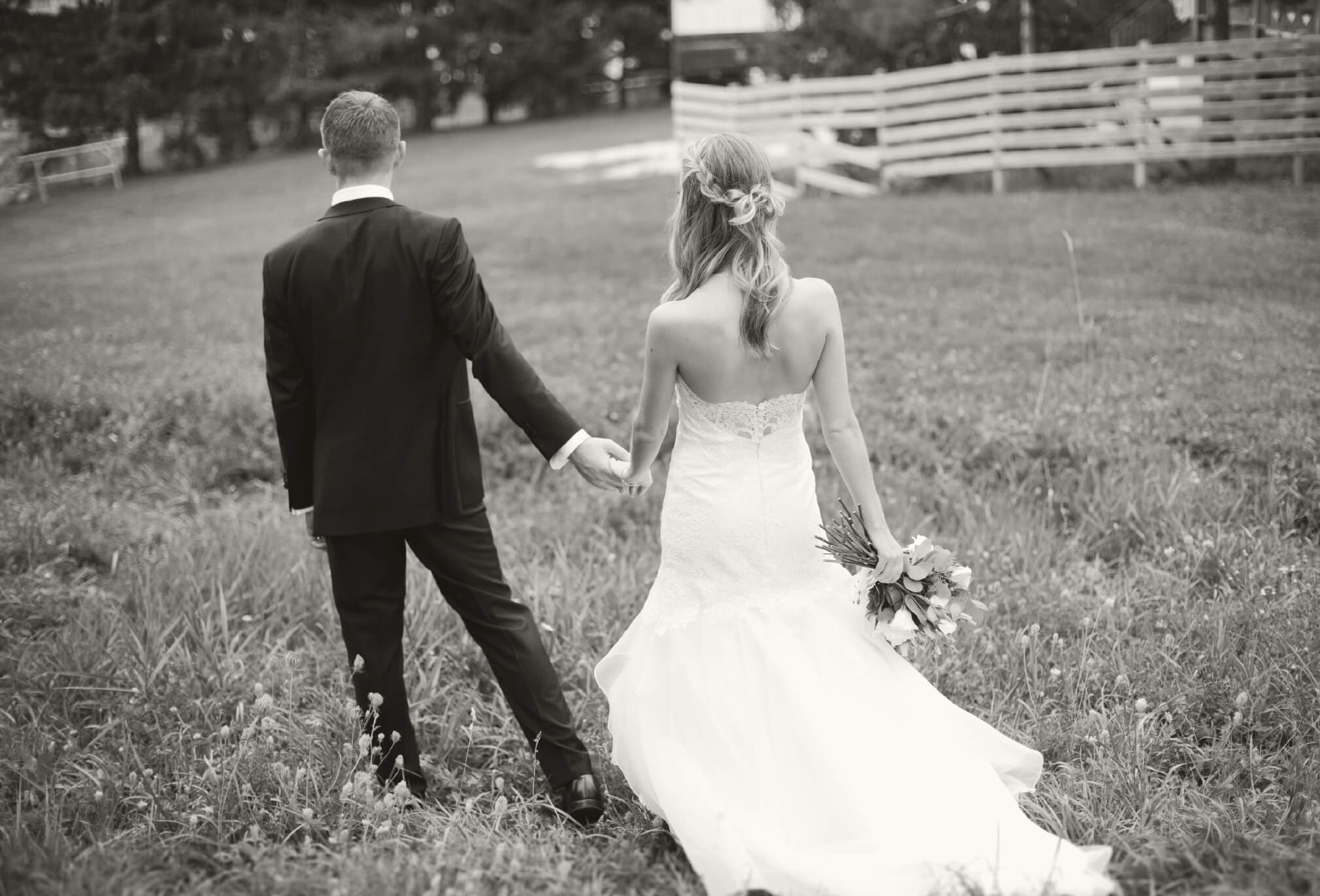 bride and groom walking craigleith ski club