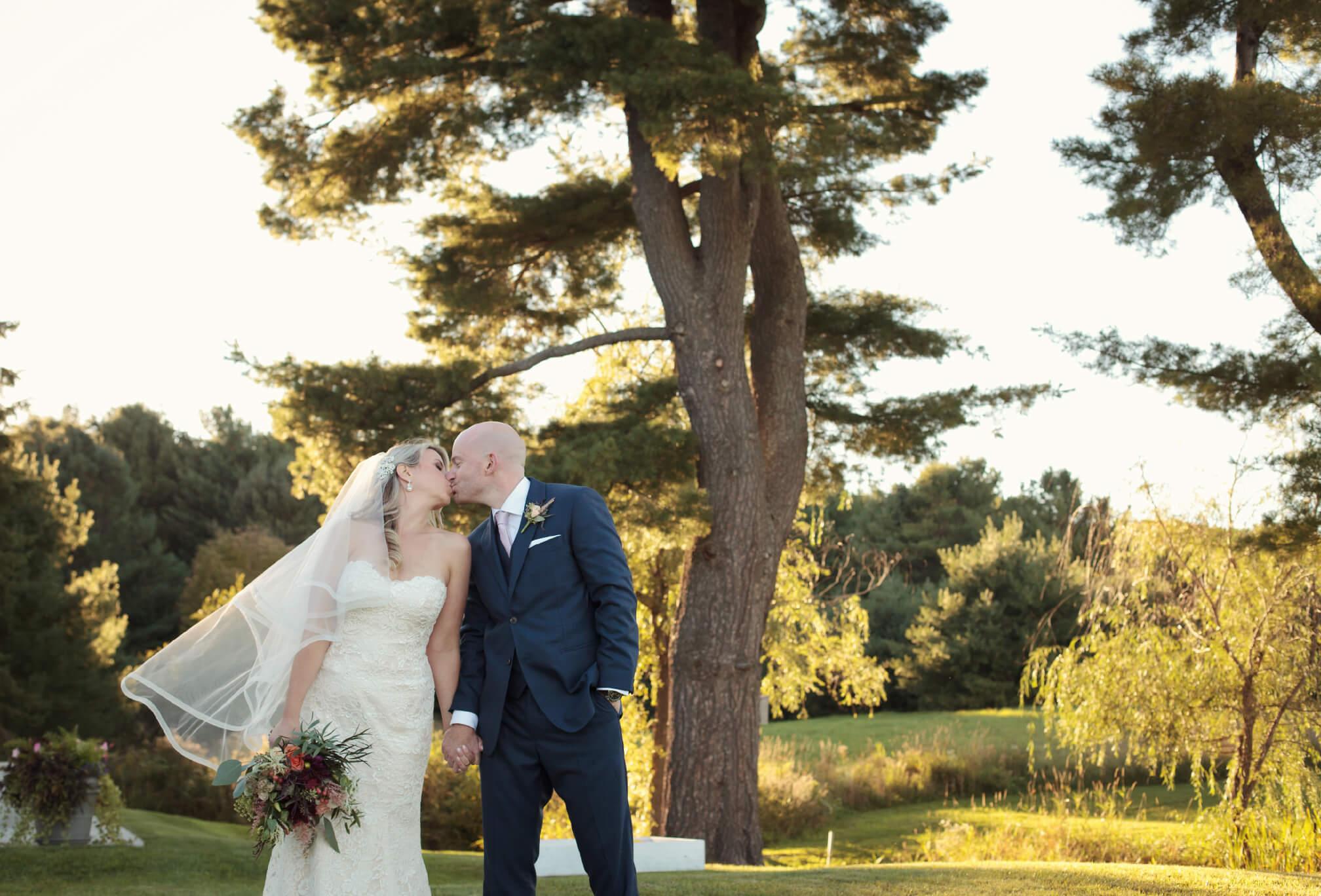 cottage wedding kiss port carling