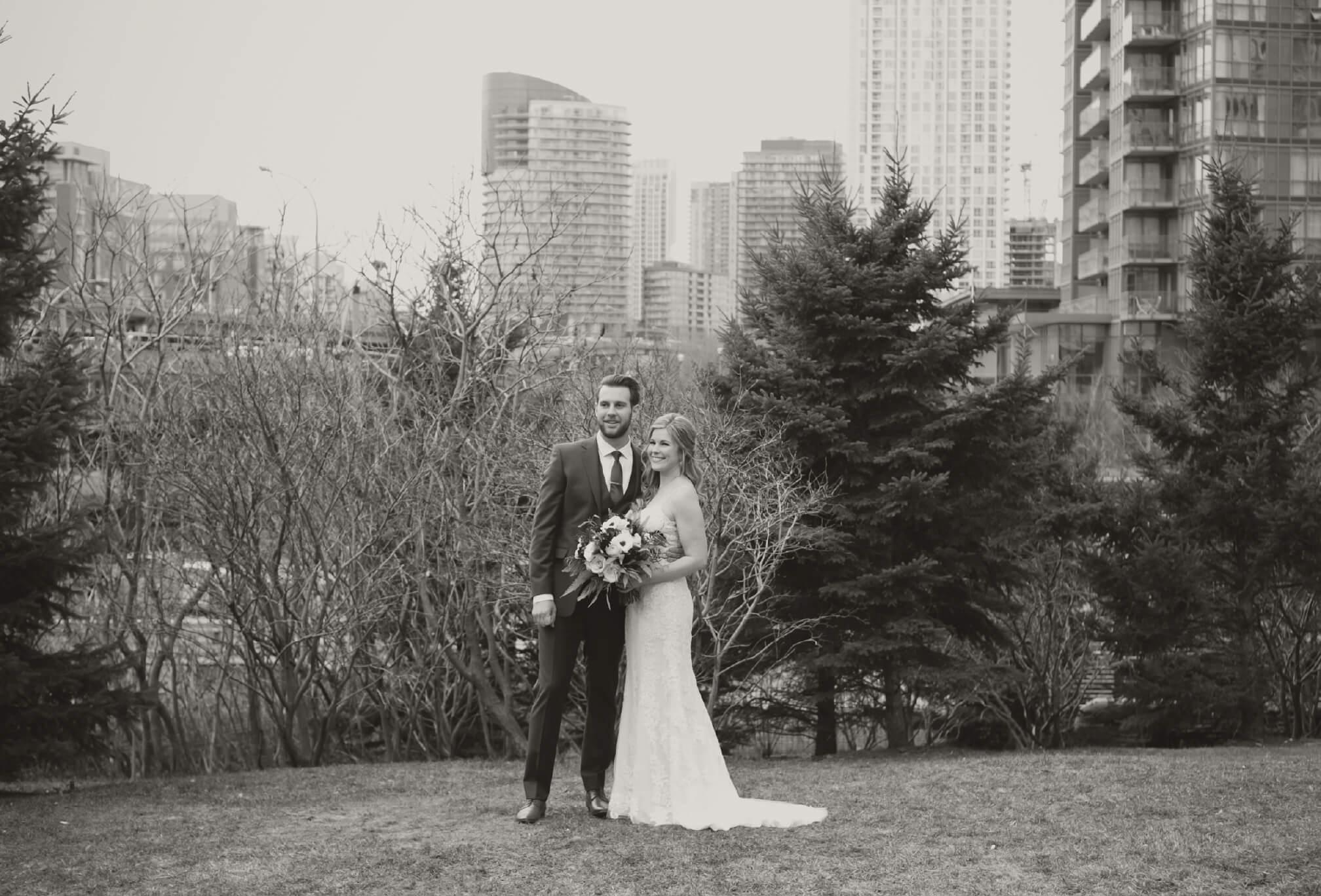 toronto skyline wedding photos