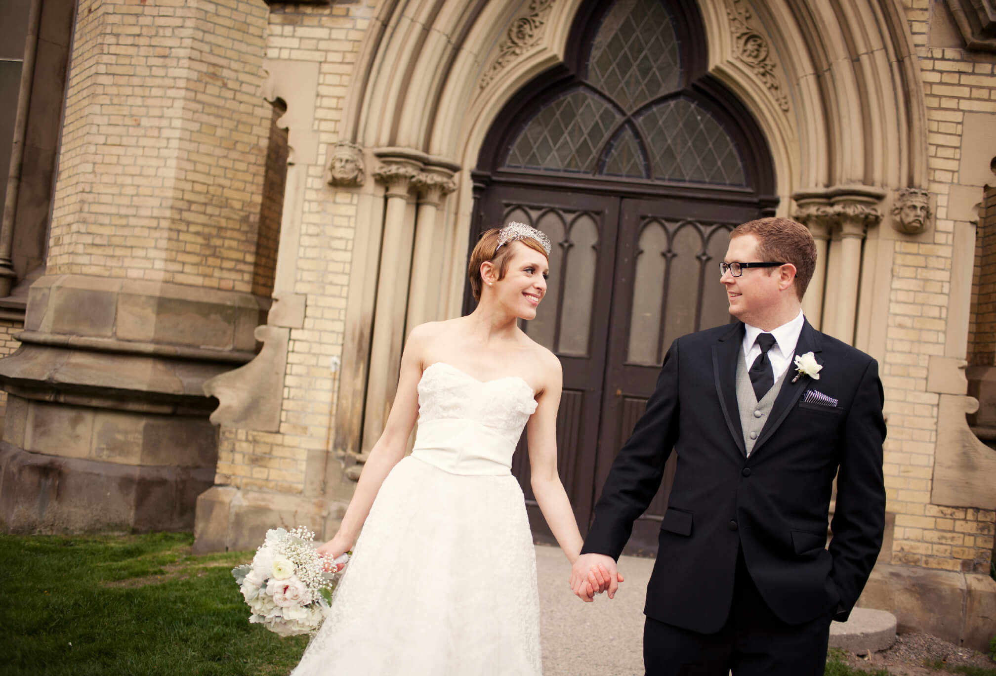 st. James Cathedral toronto bride and groom