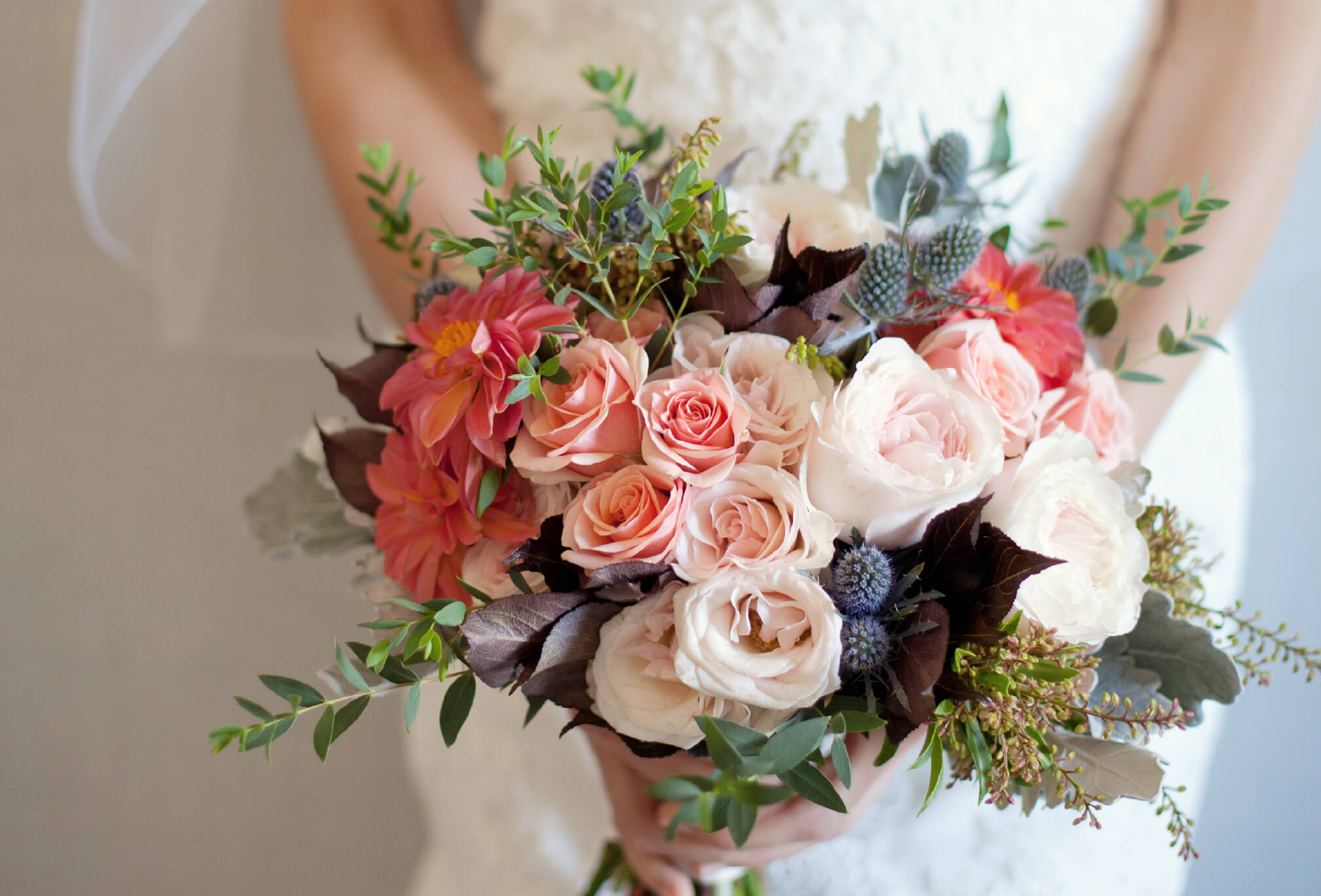 gorgeous bouquet roses fall wedding