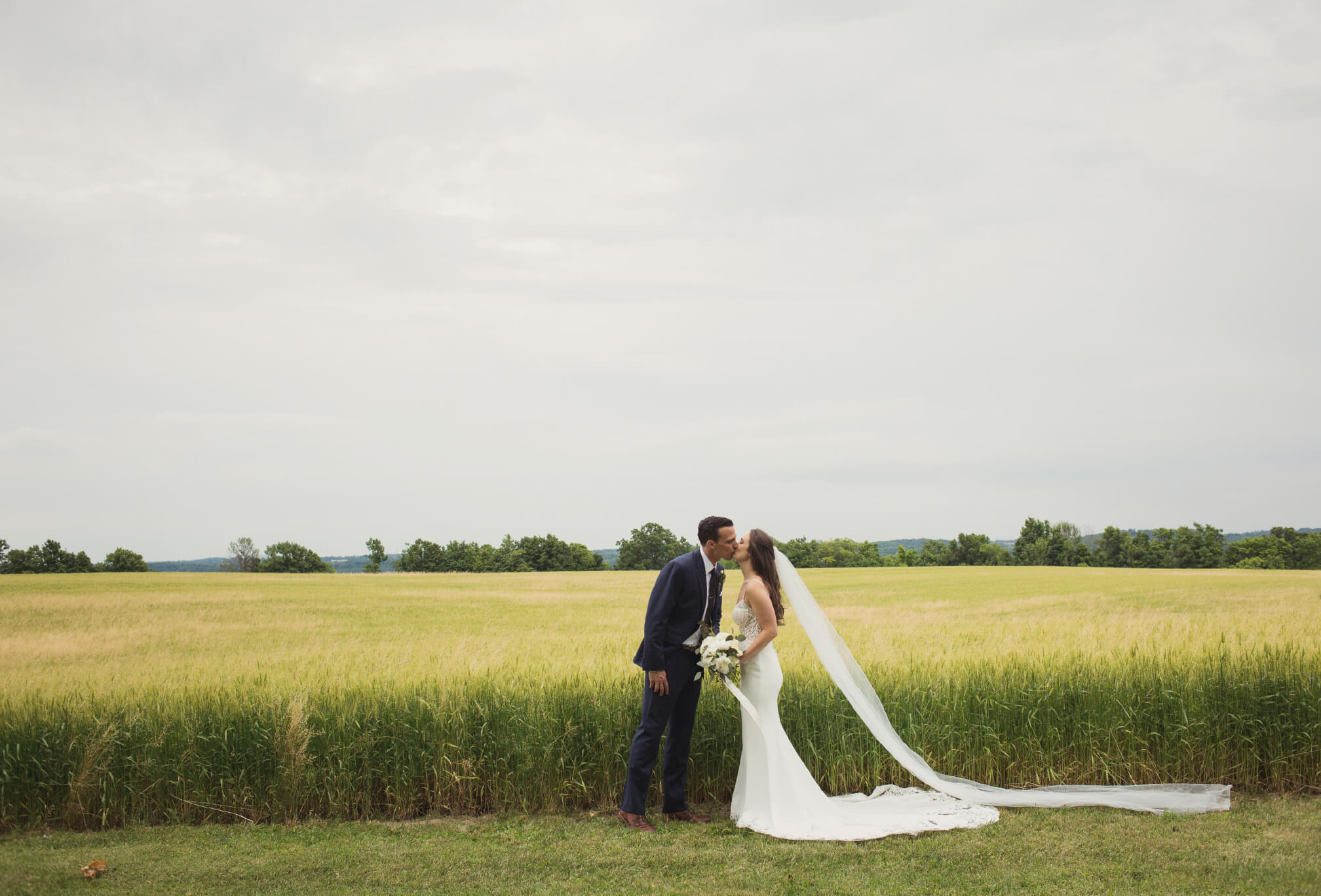 bride and groom wheat field photography