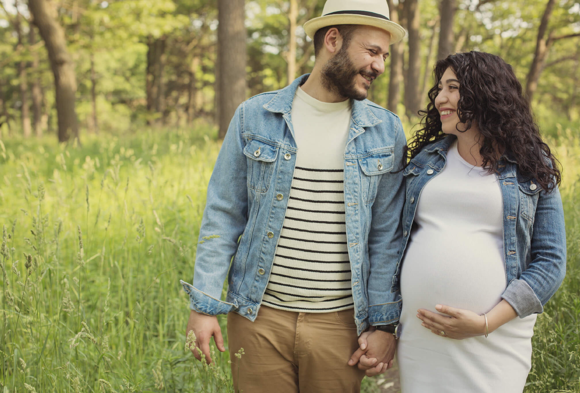 cute forest maternity session toronto