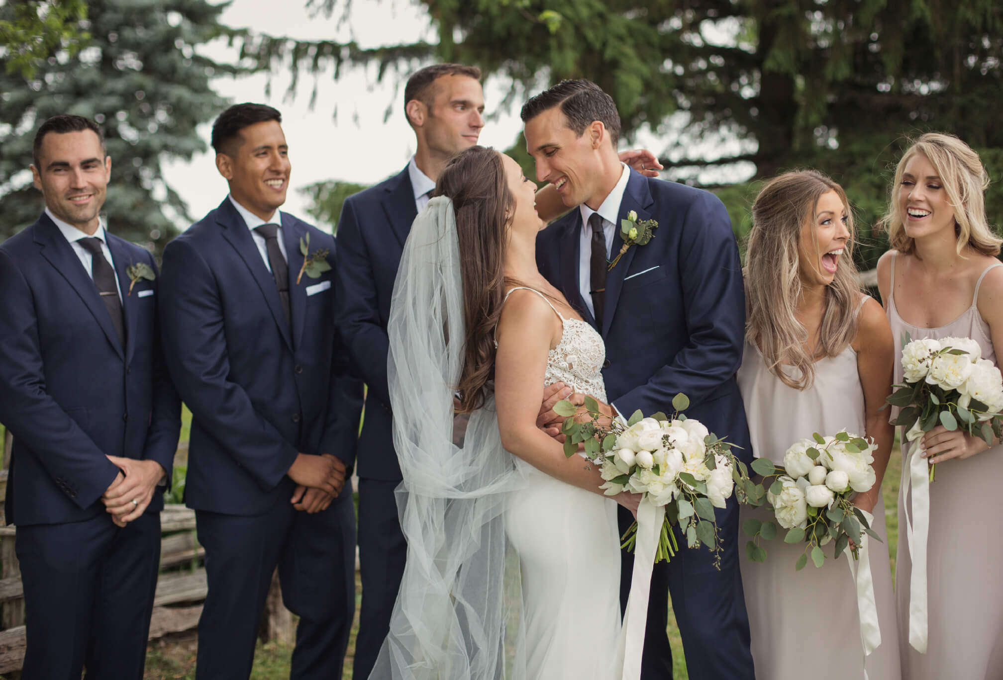 candid bridal party photography