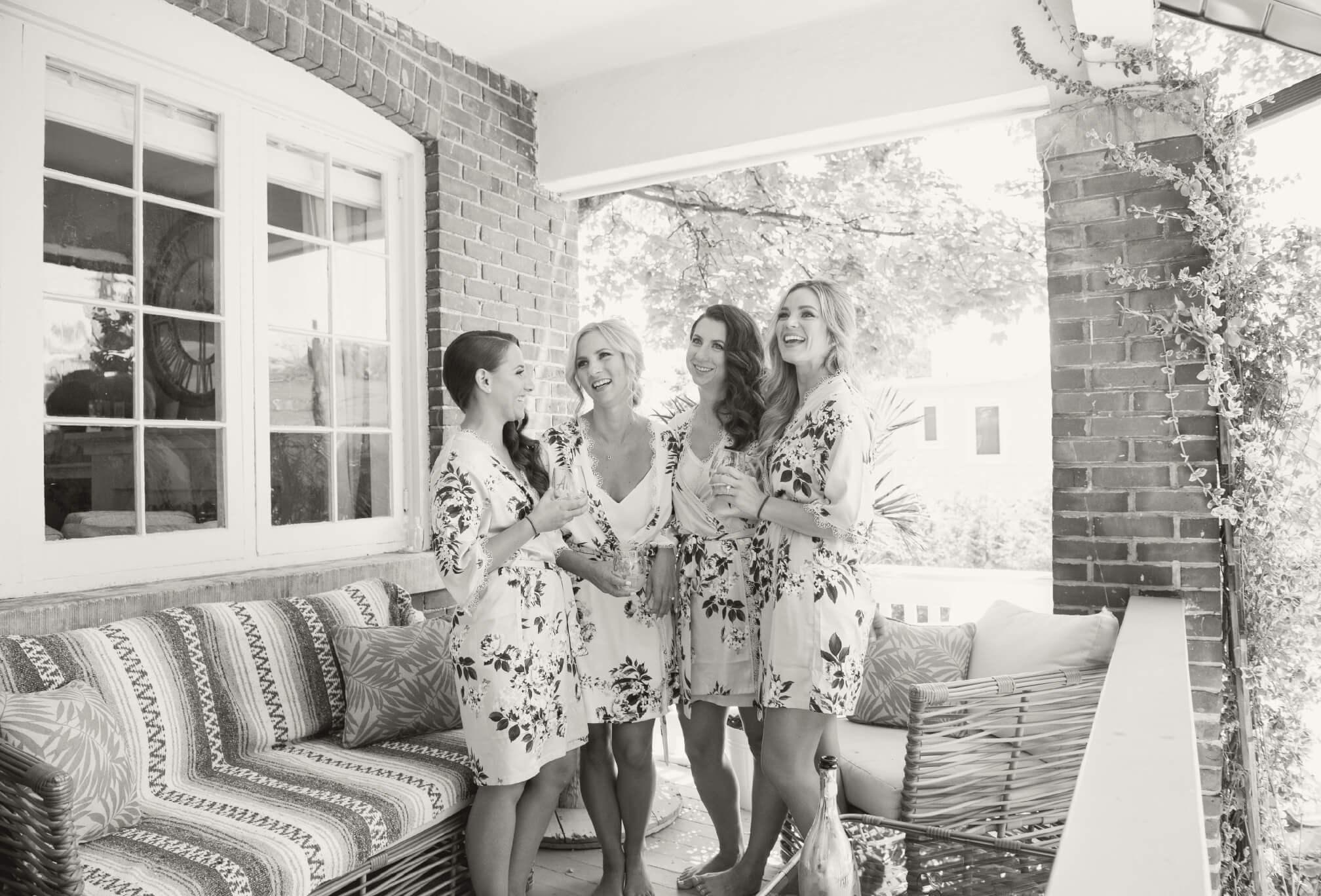 bridesmaids robes champagne